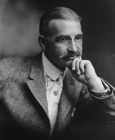 L. Frank Baum, 1911. (Public Domain, LA Times)