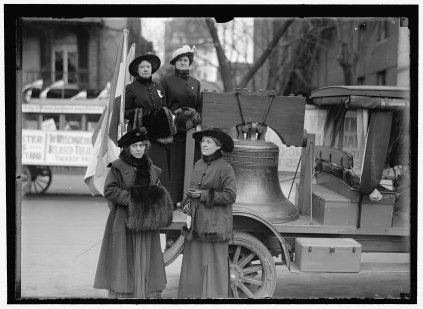 WOMAN_SUFFRAGE._LIBERTY_BELL_FOR_SUFFRAGE, Harris and Ewing, 1916 LOC