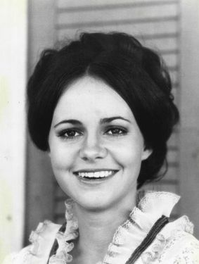Sally Field, 1971. Source: Wikimedia Commons.